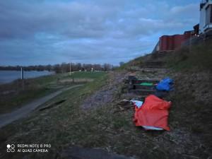 Nachtquartier am Rheinufer bei Dormagen